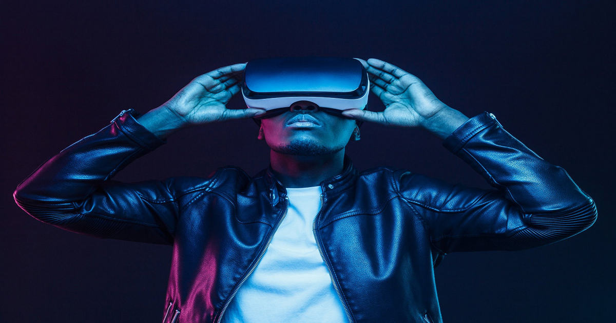 4 STOCKS TO BUY TO INVEST IN VIRTUAL REALITY