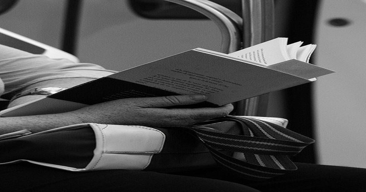 3 COMMUTE ENTERTAINMENT ALTERNATIVES – FOR WHEN YOUR E-BOOK ISN'T QUITE ENOUGH
